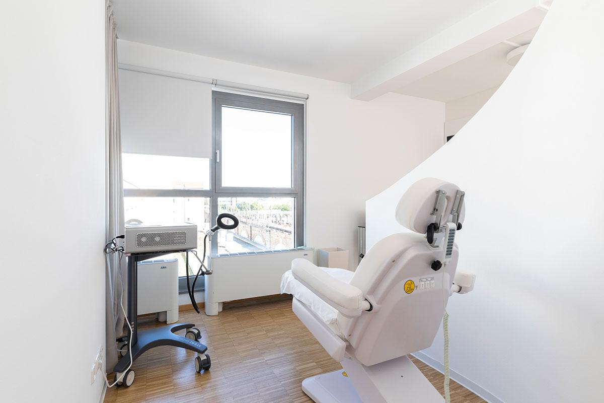 Knorpelzentrum Wien Behandlungsraum Magnetfeldtherapie
