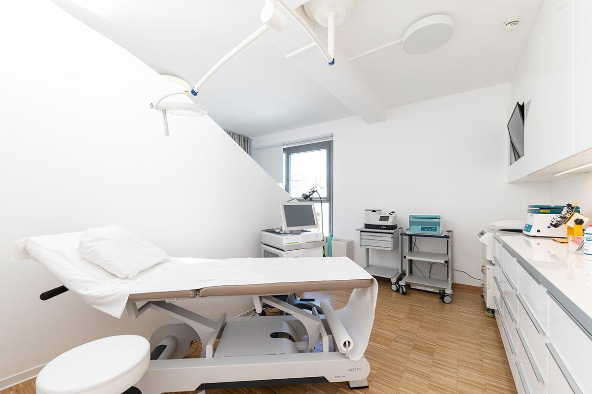 Knorpelzentrum Wien Behandlungsraum Stoßwellentherapie